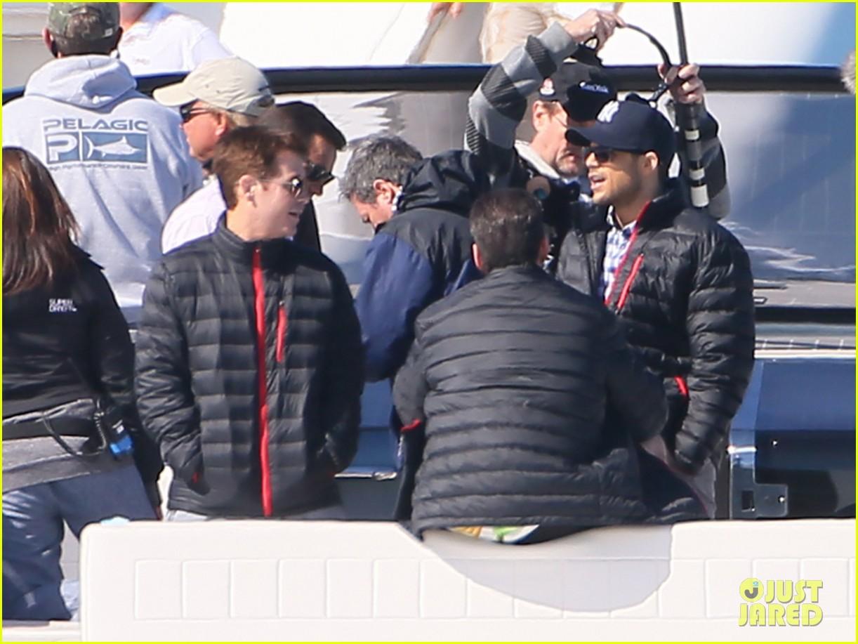 nina agdal joins entourage guys on set for yacht scene 063033695