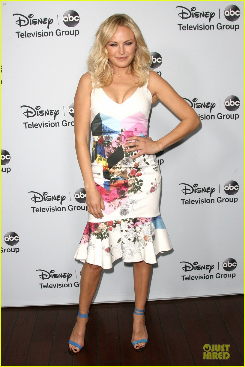 malin akerman conne britton abc winter tca party 093034387