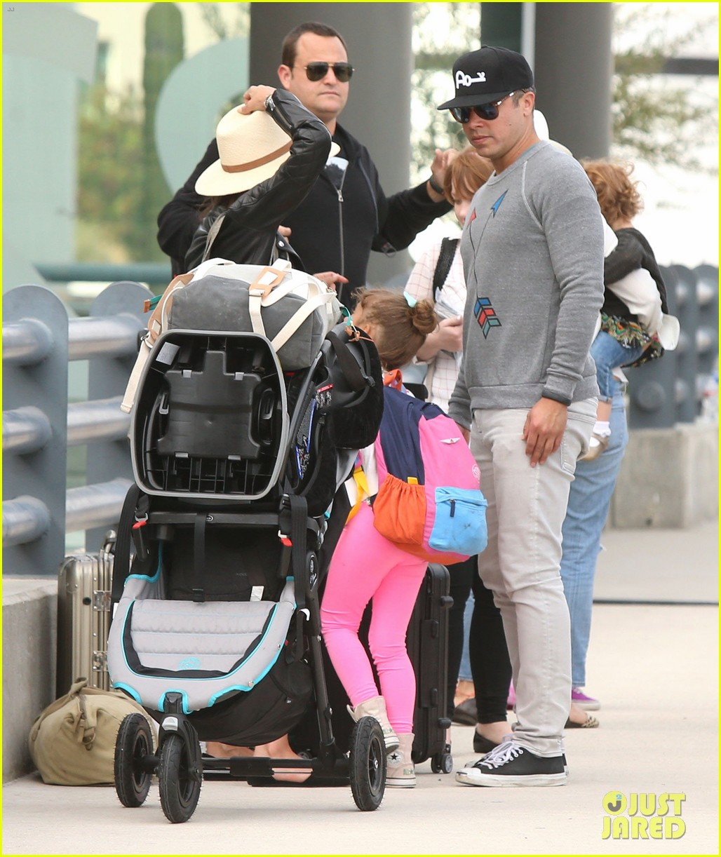 jessica alba family arrive home from cabo vacation 163022690