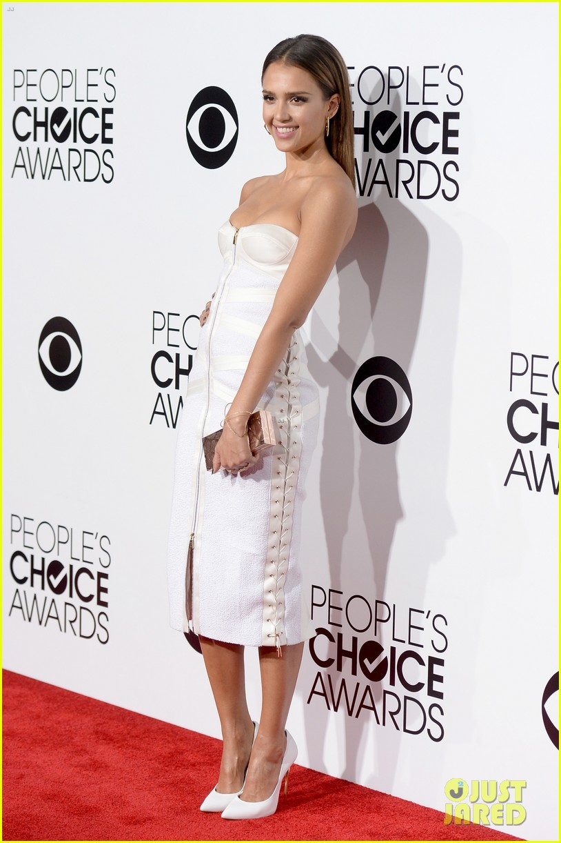 jessica alba peoples choice awards 2014 red carpet 033025500