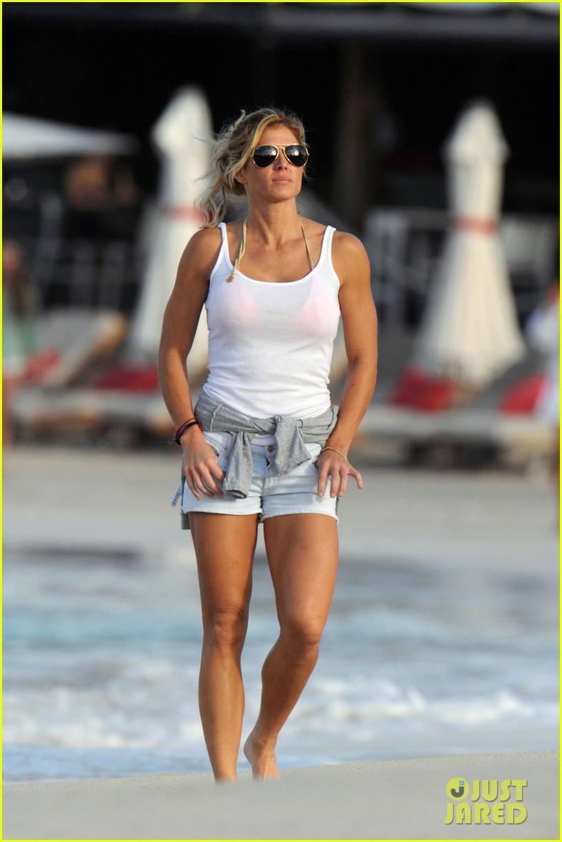 alex roriguez beach stroll with ab boasting torrie wilson 073021029