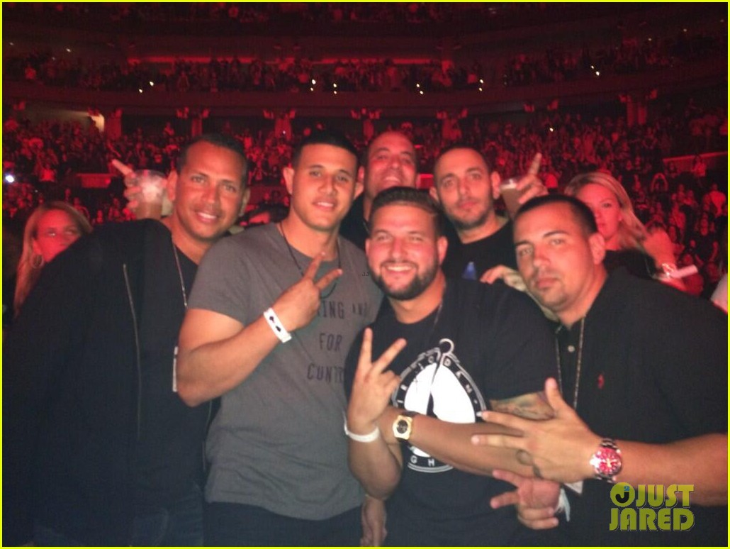 alex rodriguez back in la after attending jay z concert 033023116