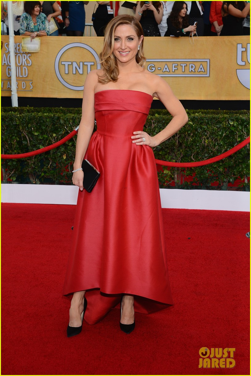 sasha alexander holly hunter sag awards 2014 red carpet 013035018
