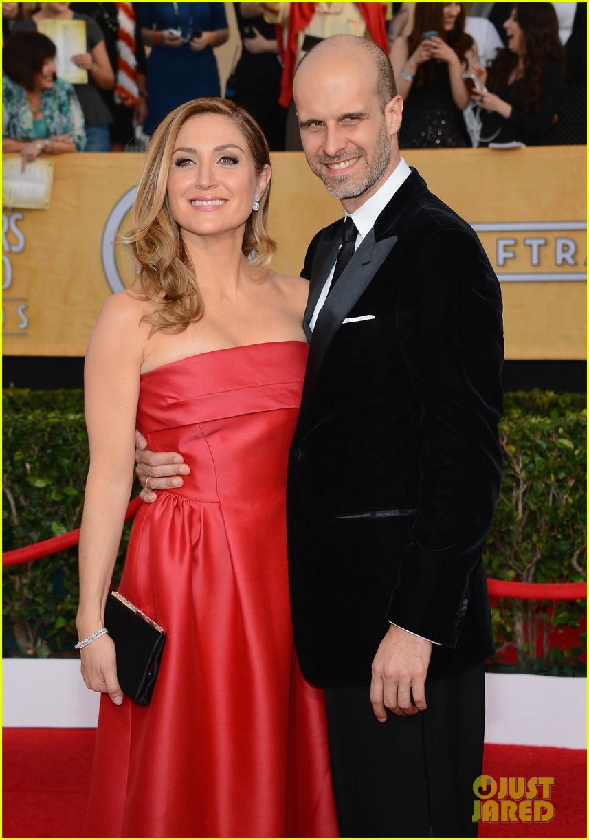 sasha alexander holly hunter sag awards 2014 red carpet 103035027