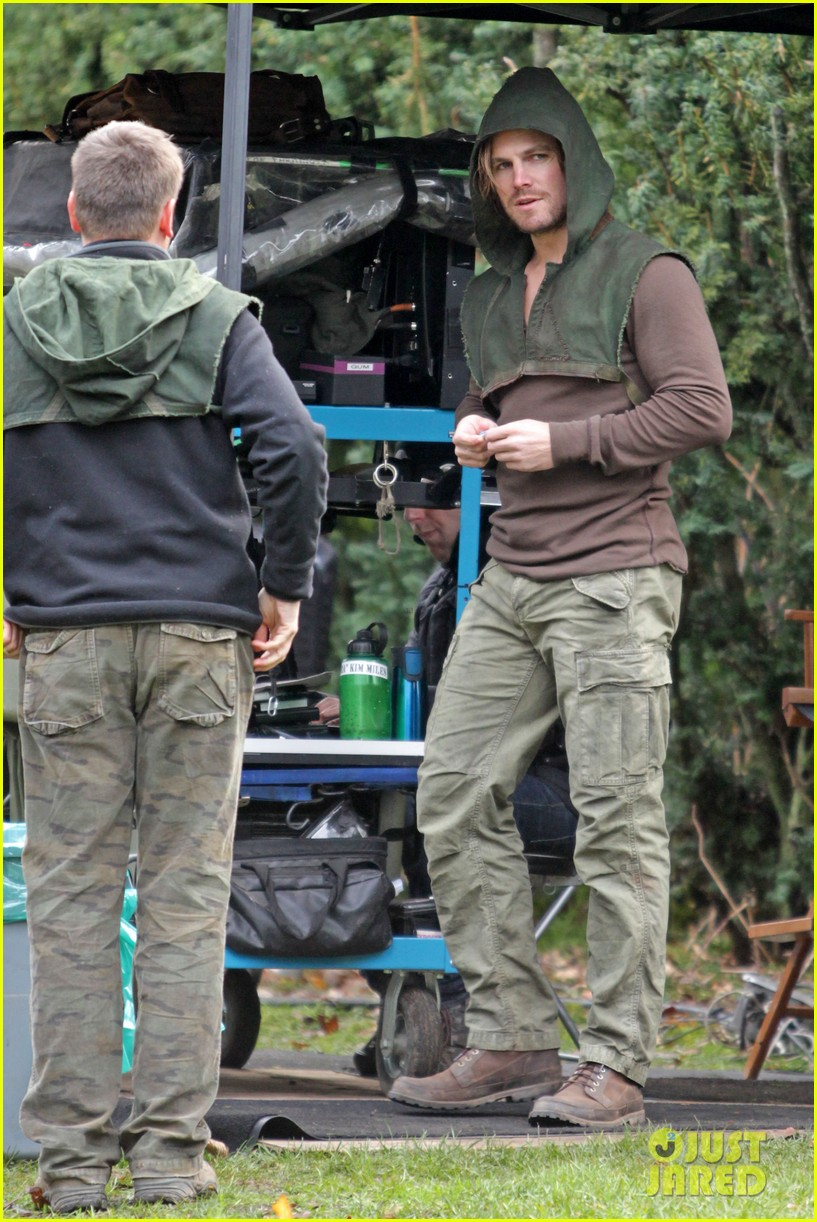 stephen amell long haired wig for arrow scenes 12