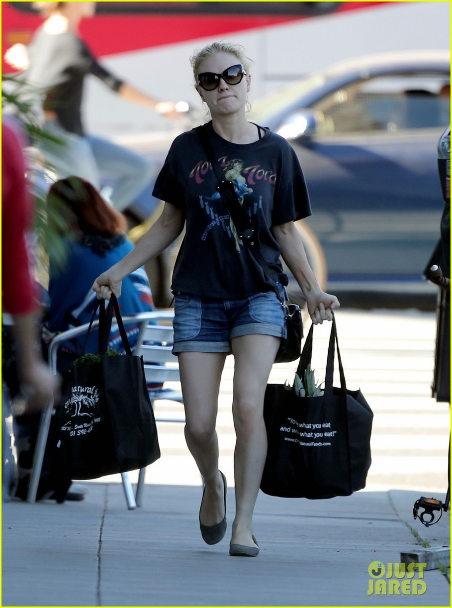 anna paquin stephen moyer likes changing diapers 053035431
