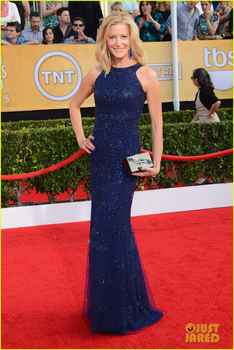 anna gunn sag awards 2014 red carpet 01
