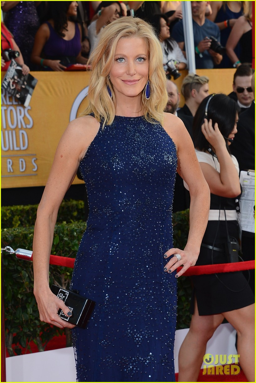 anna gunn sag awards 2014 red carpet 02