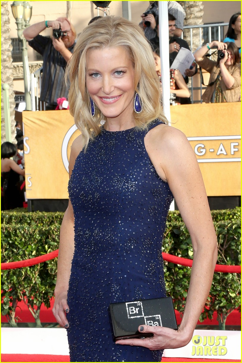 anna gunn sag awards 2014 red carpet 04