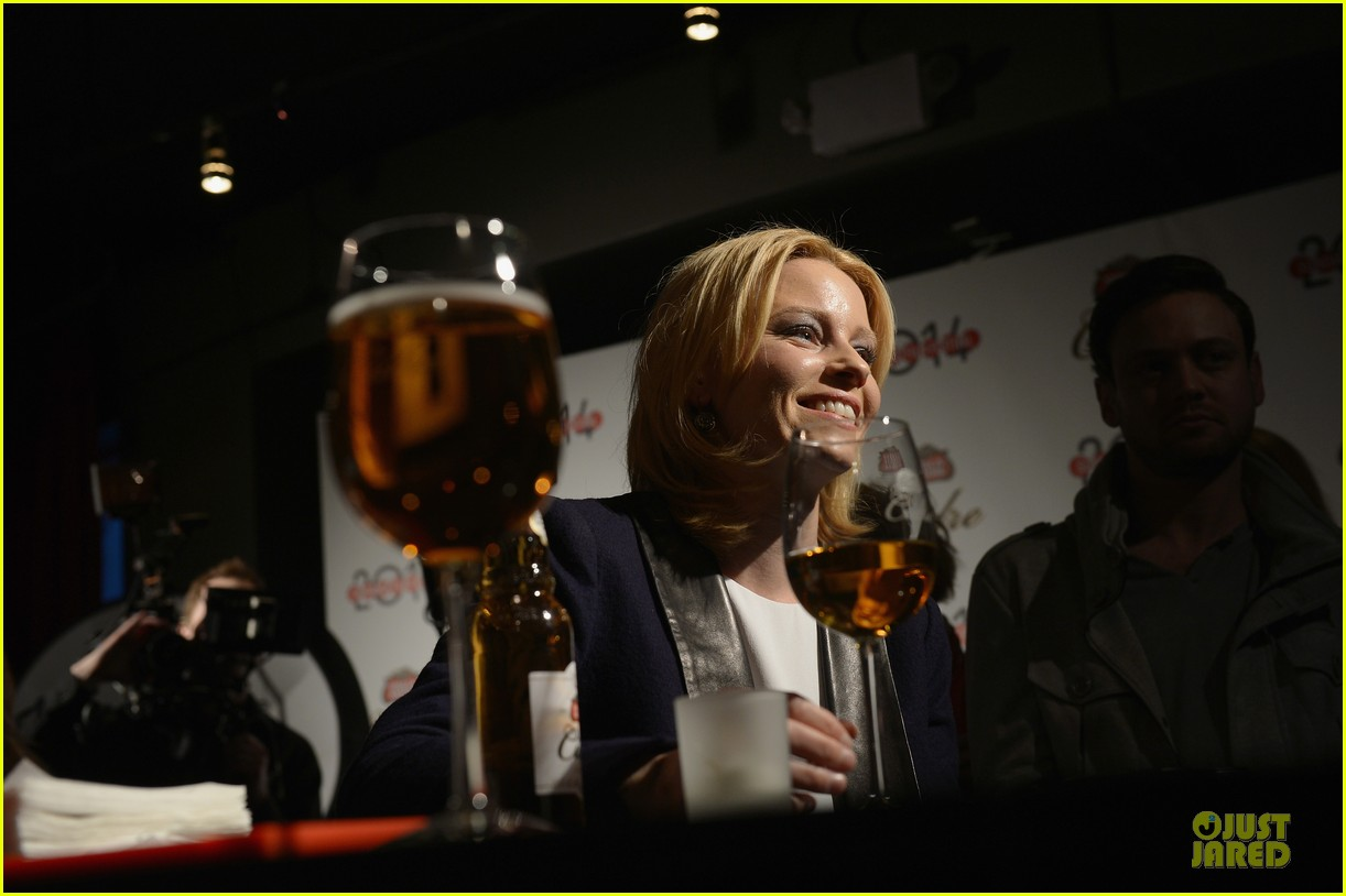 elizabeth banks stella artois lounge exclusive interview 093034147