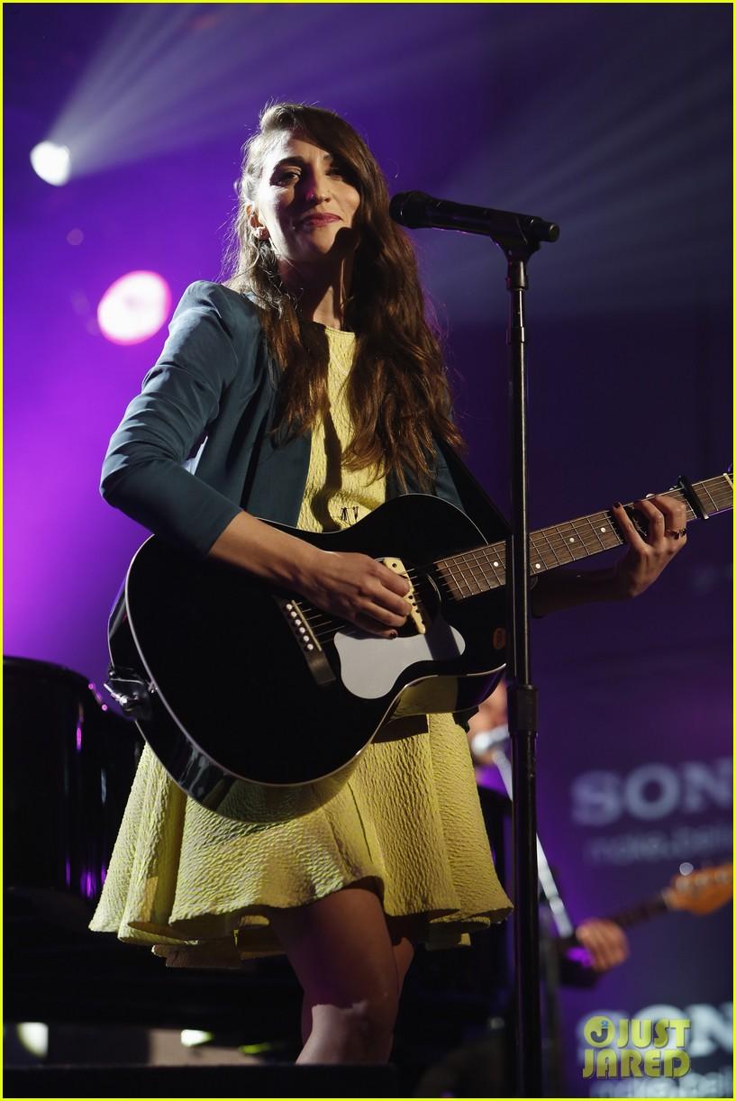 sara bareilles performs new single i choose you on kimmel 063045071