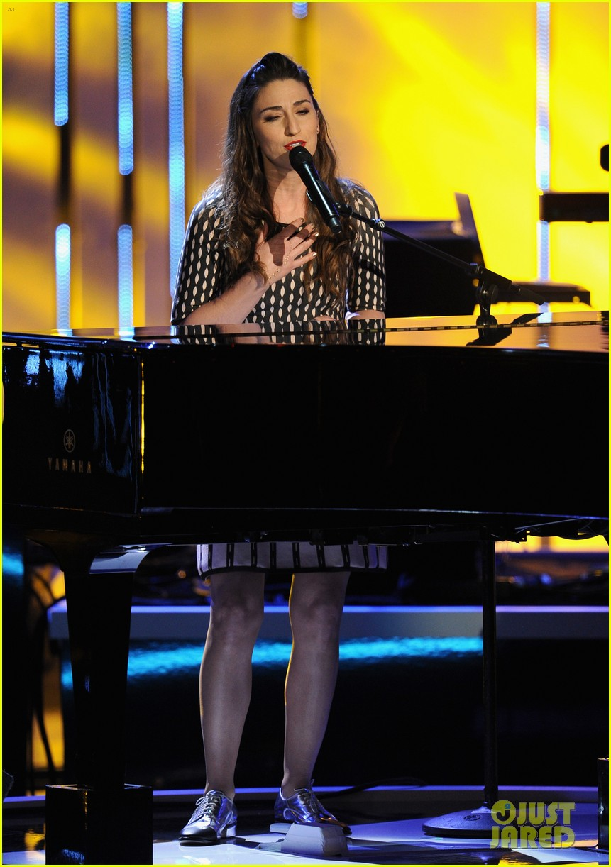 sara bareilles peoples choice awards 2014 performance video 02