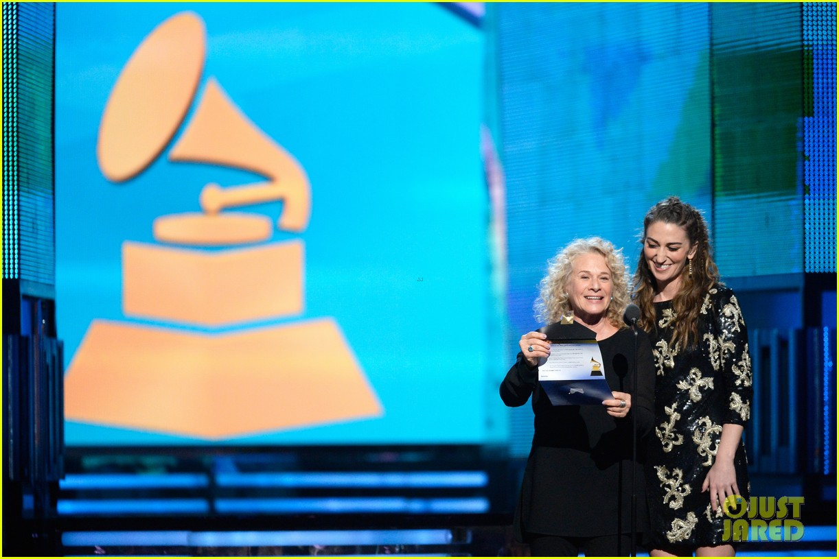 sara bareilles carole king grammys brave beautiful mashup at grammys 2014 video 113041515