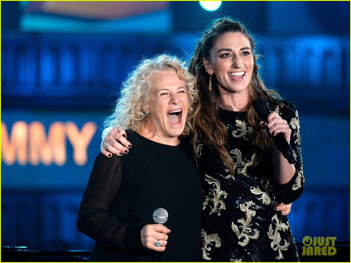 sara bareilles carole king grammys brave beautiful mashup at grammys 2014 video 143041518
