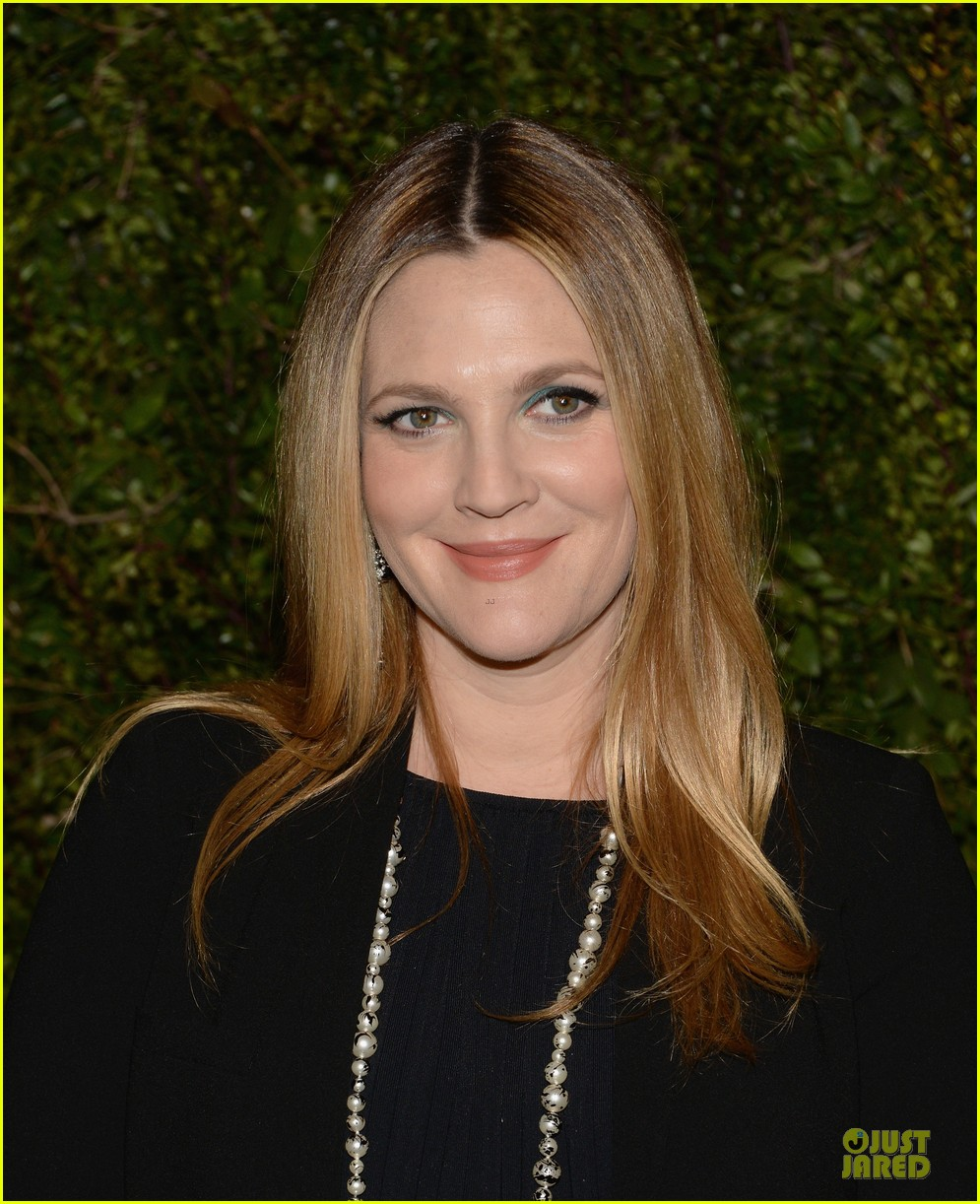 drew barrymore talks pregnancy weight on ellen 193031525