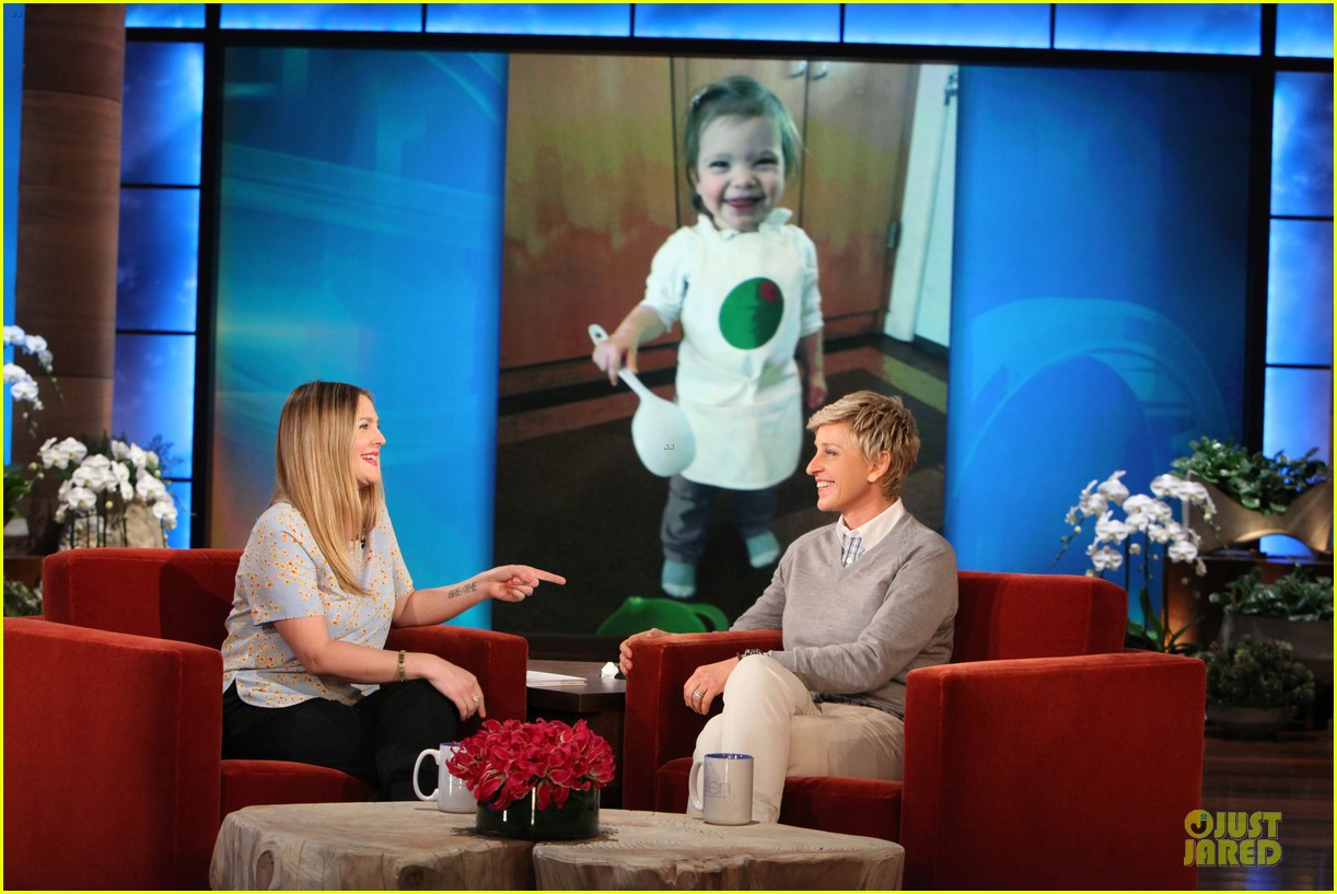 drew barrymore talks pregnancy weight on ellen 25
