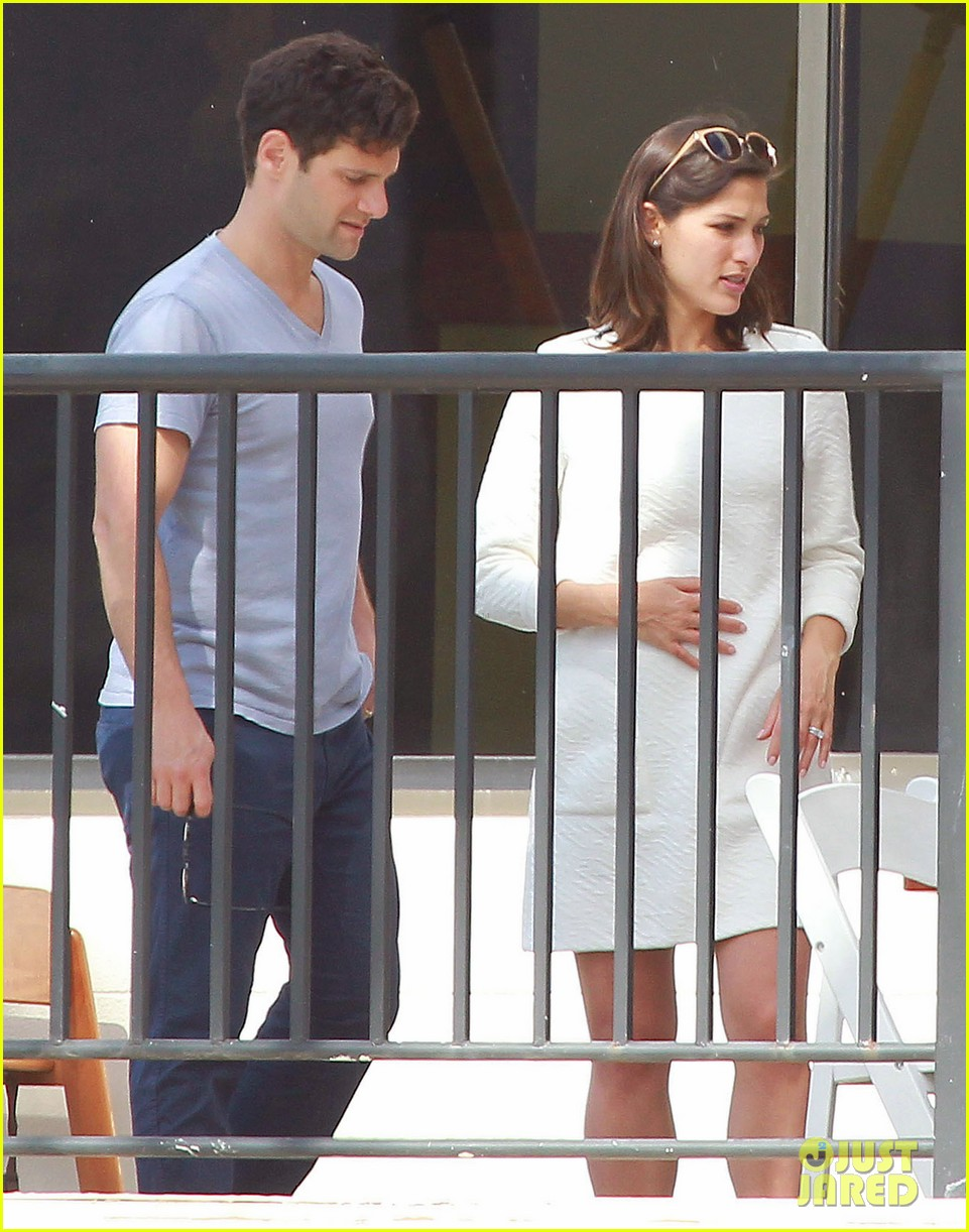 justin bartha new wife lia smith relax after wedding 073023900