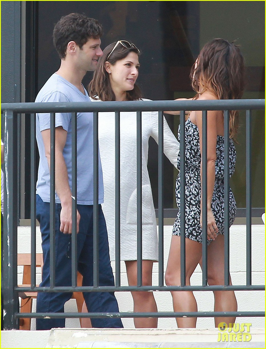 justin bartha new wife lia smith relax after wedding 103023903