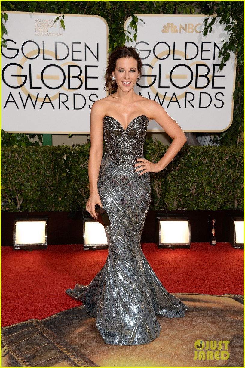 kate beckinsale golden globes 2014 red carpet 013029346