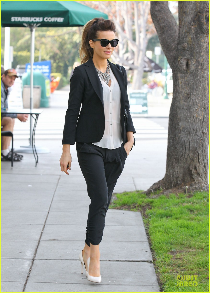 kate beckinsale len wiseman hook arms at fred segal 033043053