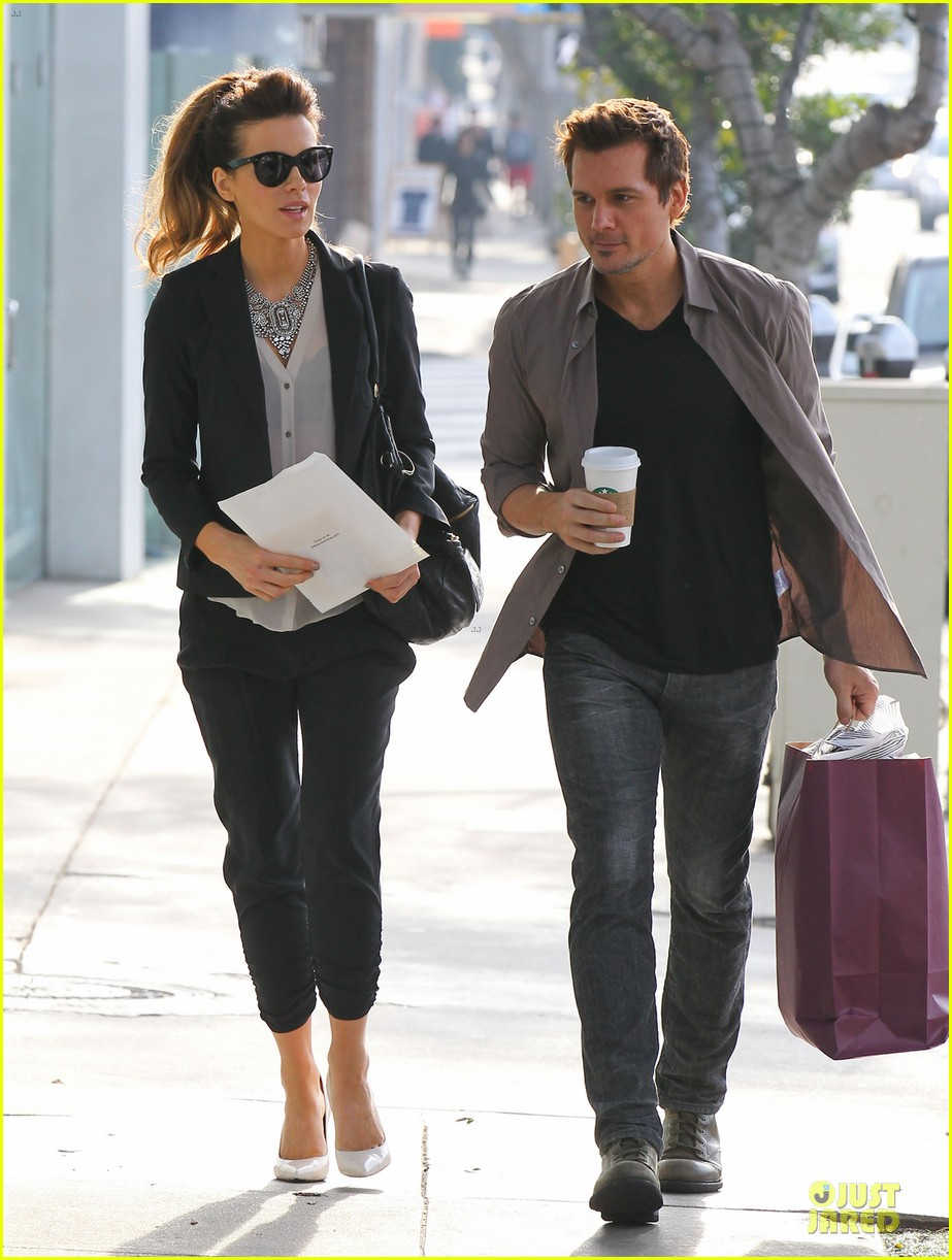 kate beckinsale len wiseman hook arms at fred segal 103043060