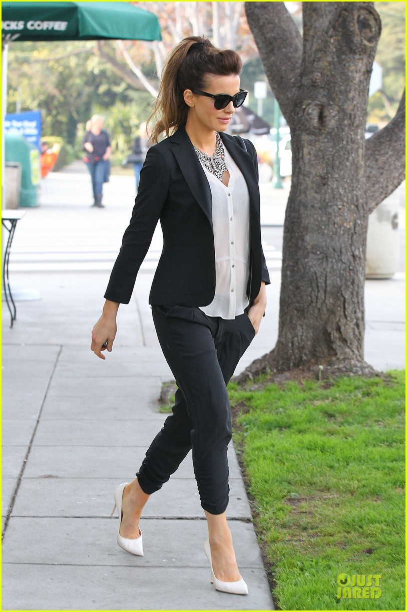kate beckinsale len wiseman hook arms at fred segal 173043067