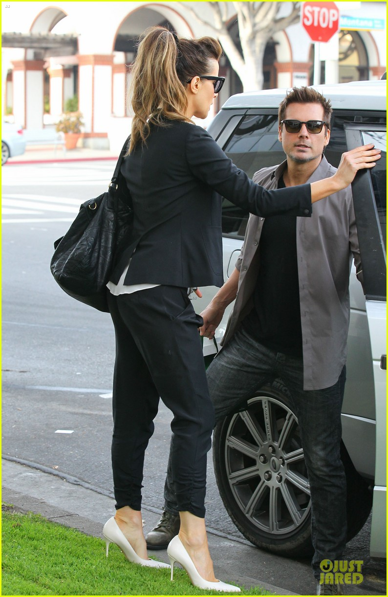 kate beckinsale len wiseman hook arms at fred segal 183043068