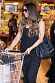 kate beckinsale super stylish whole foods run 25
