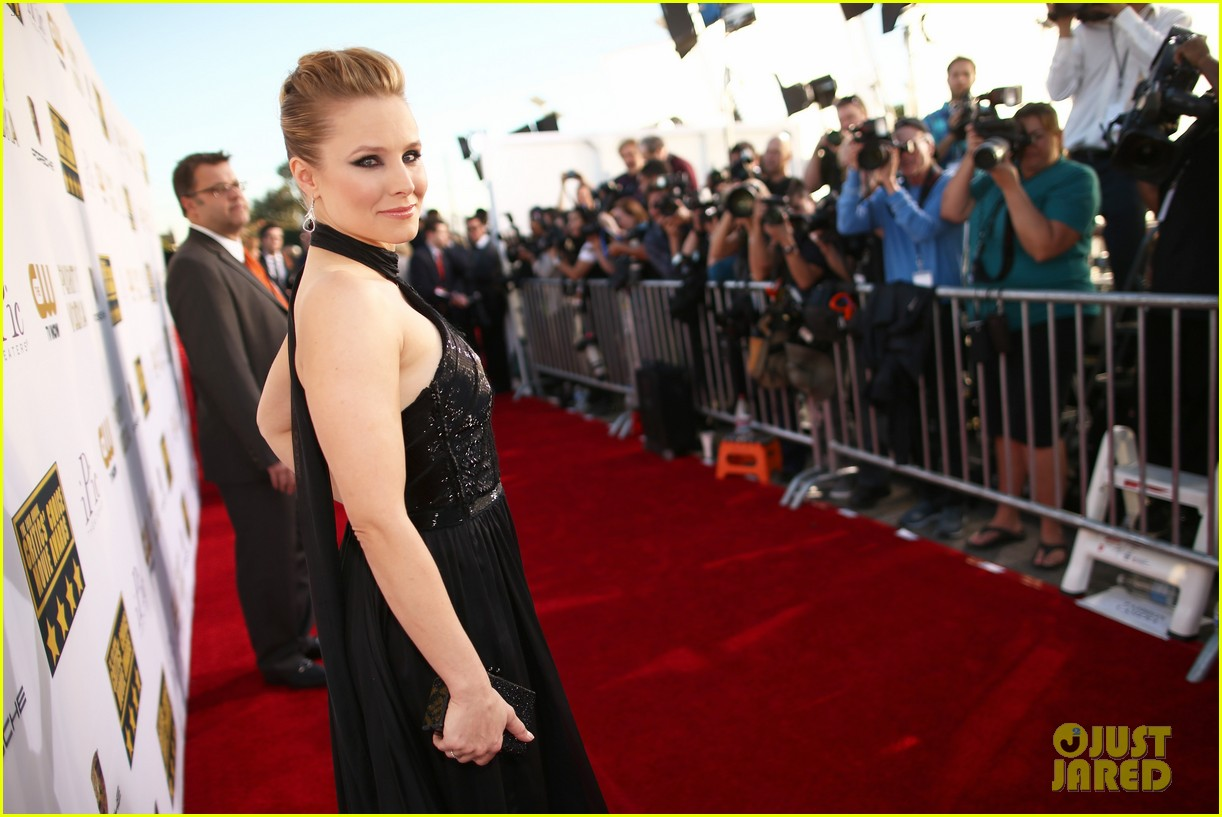 kristen bell critics choice movie awards 2014 red carpet 063032885