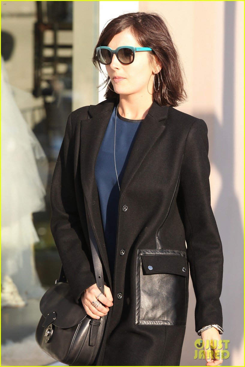 camilla belle alfred cafe lunch outing 013027003