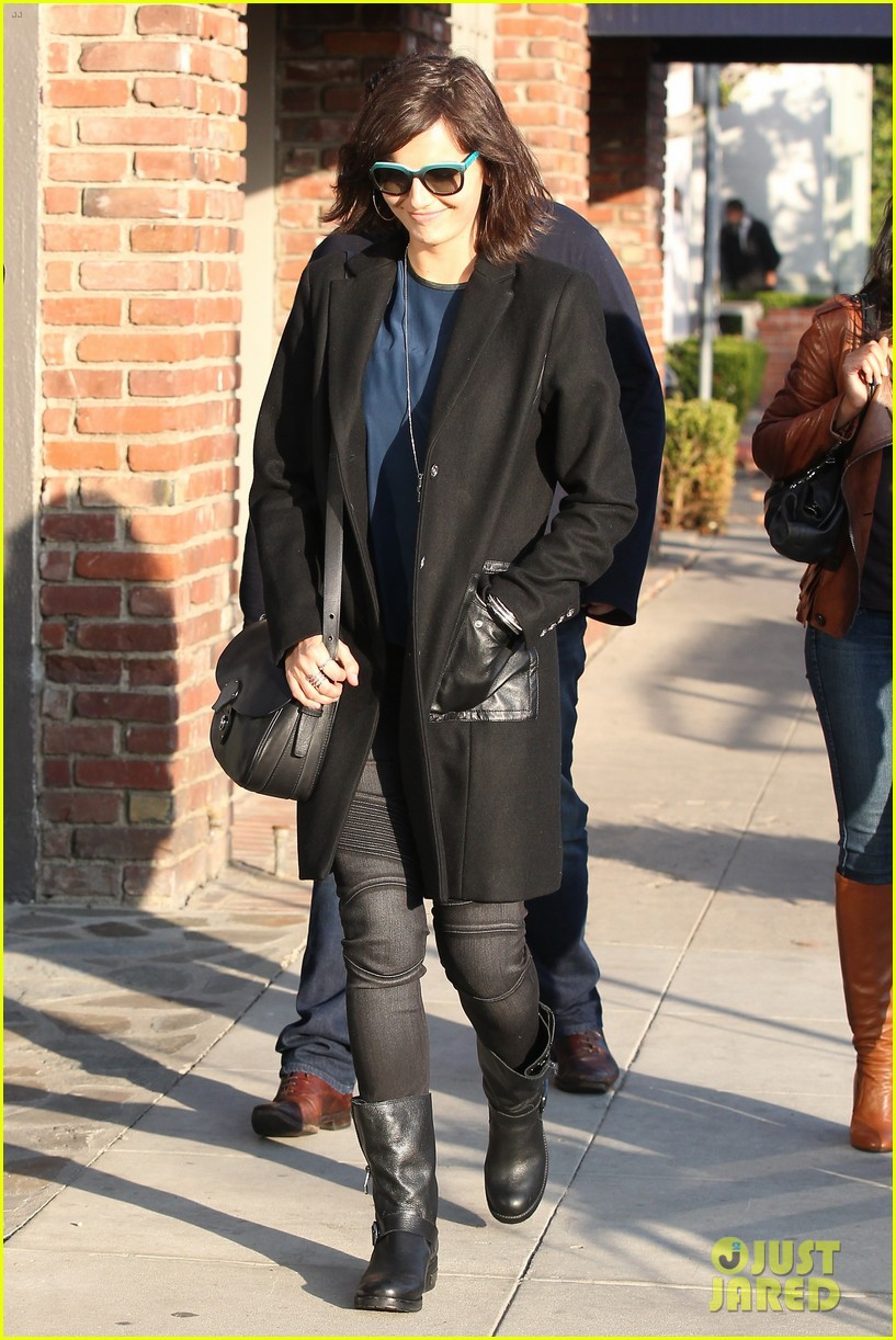 camilla belle alfred cafe lunch outing 093027011