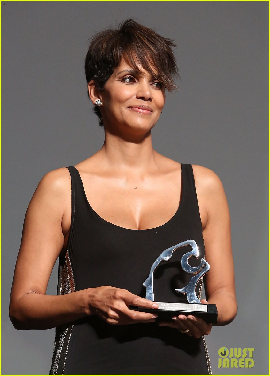 halle berry finds a new husband for her tv show extant 02