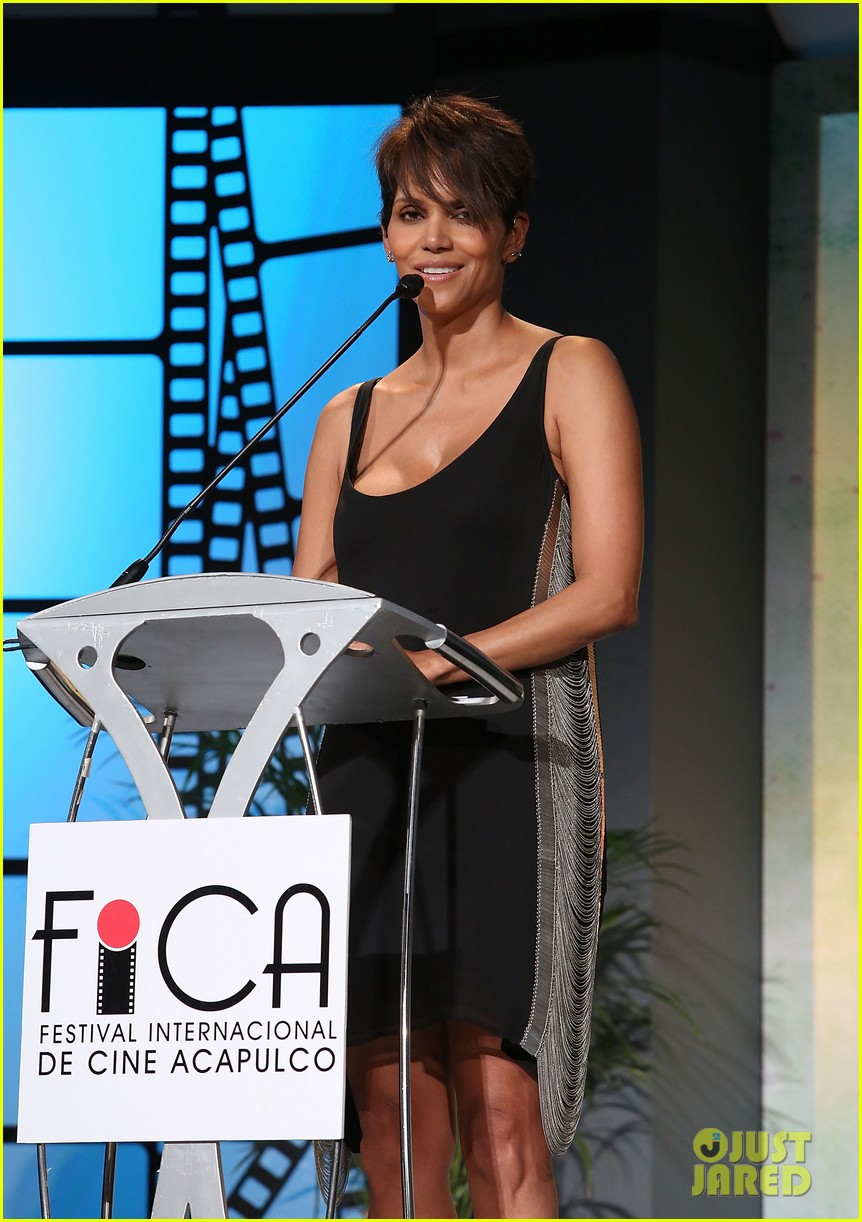 halle berry finds a new husband for her tv show extant 033043987