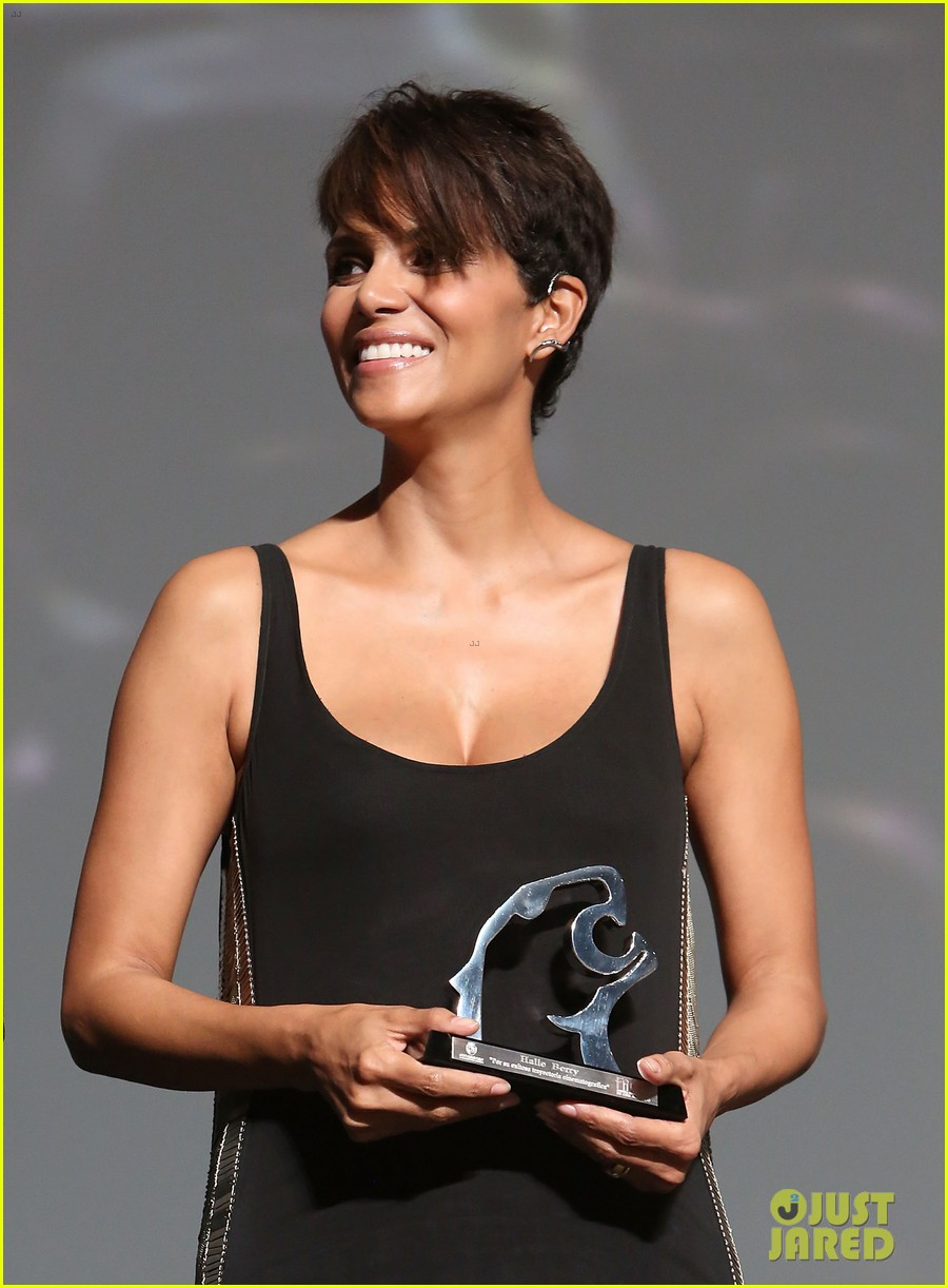 halle berry finds a new husband for her tv show extant 07