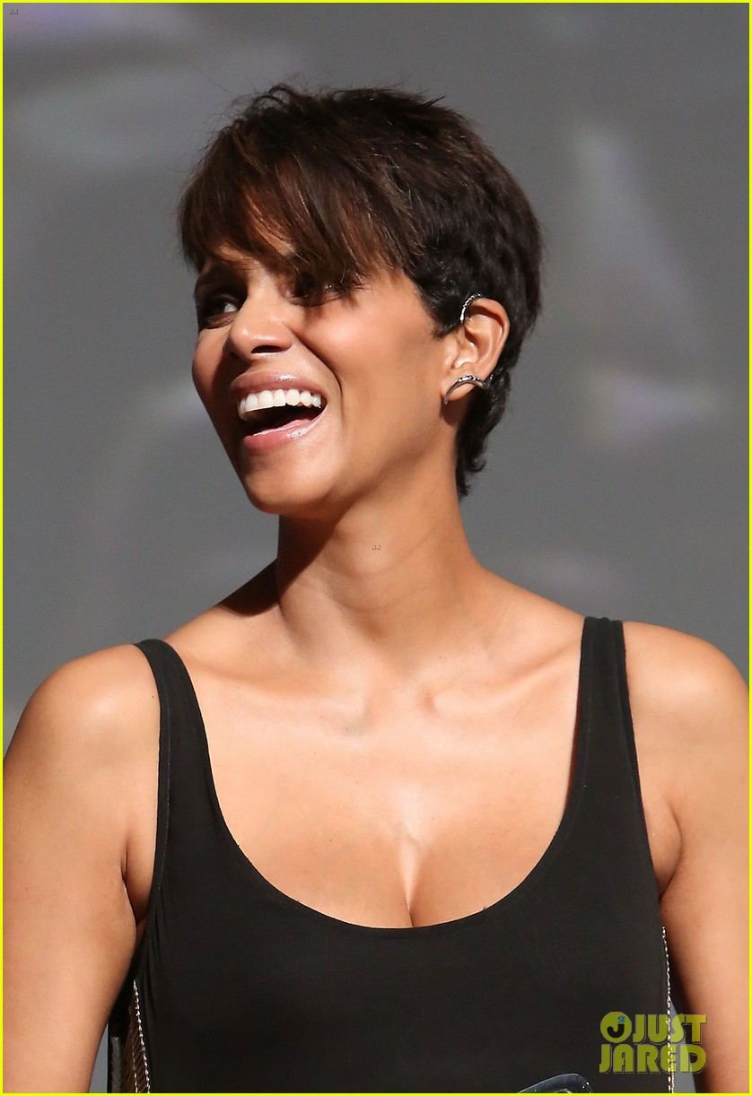 halle berry finds a new husband for her tv show extant 093043993