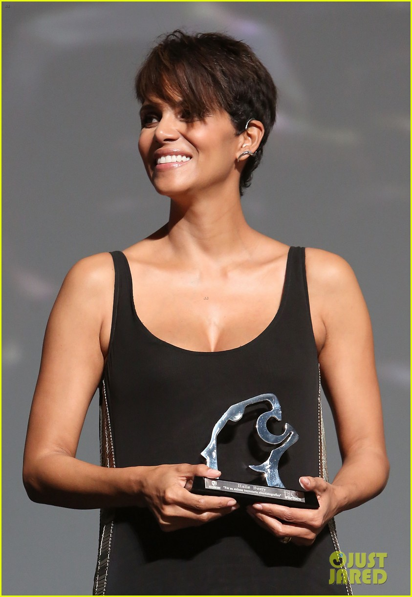halle berry finds a new husband for her tv show extant 133043997