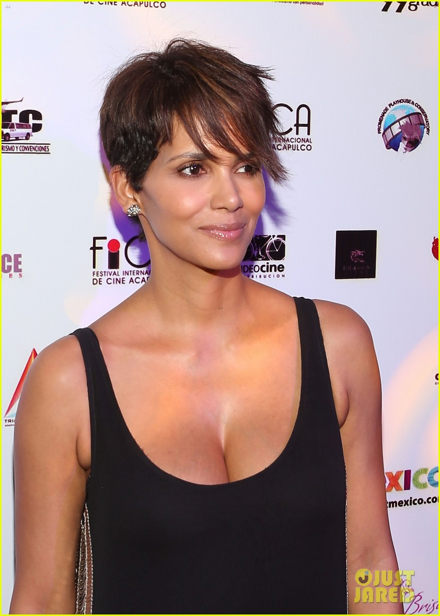 halle berry finds a new husband for her tv show extant 153043999
