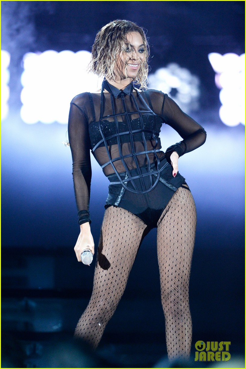 beyonce jay z drunk in love at grammys 2014 watch now 023041184