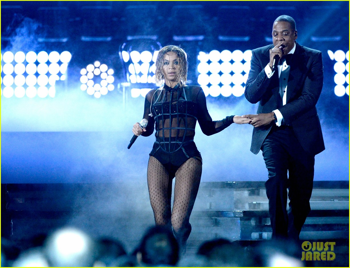 beyonce jay z drunk in love at grammys 2014 watch now 053041187