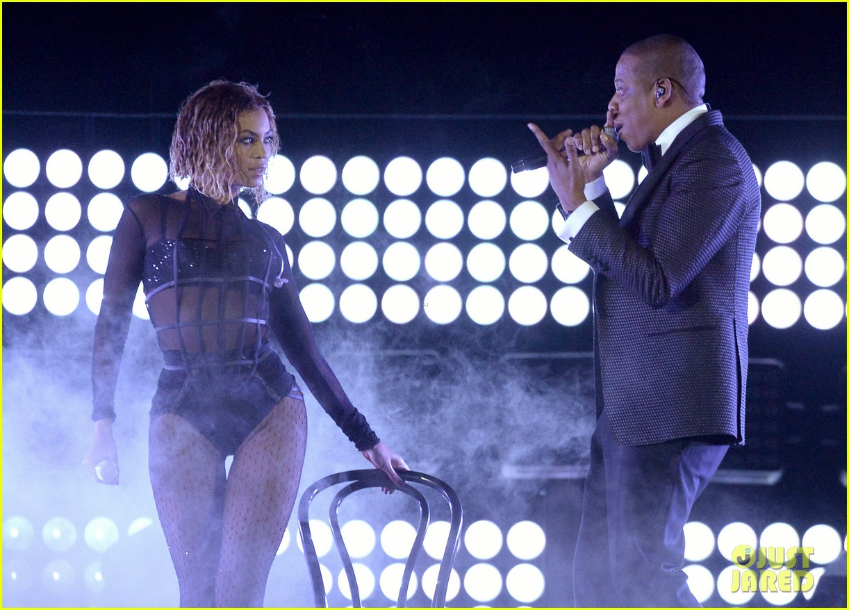 beyonce jay z drunk in love at grammys 2014 watch now 133041195
