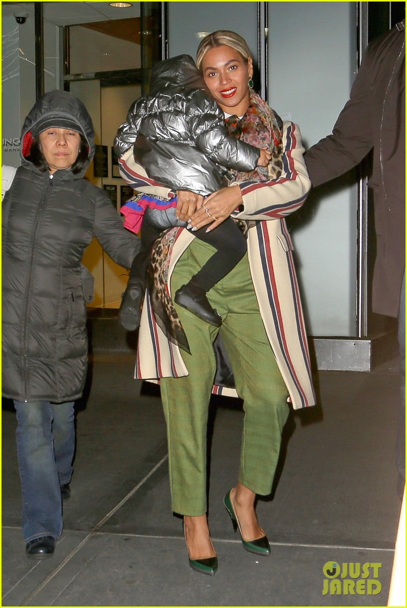beyonce steps out in the big apple with blue ivy carter 013033230