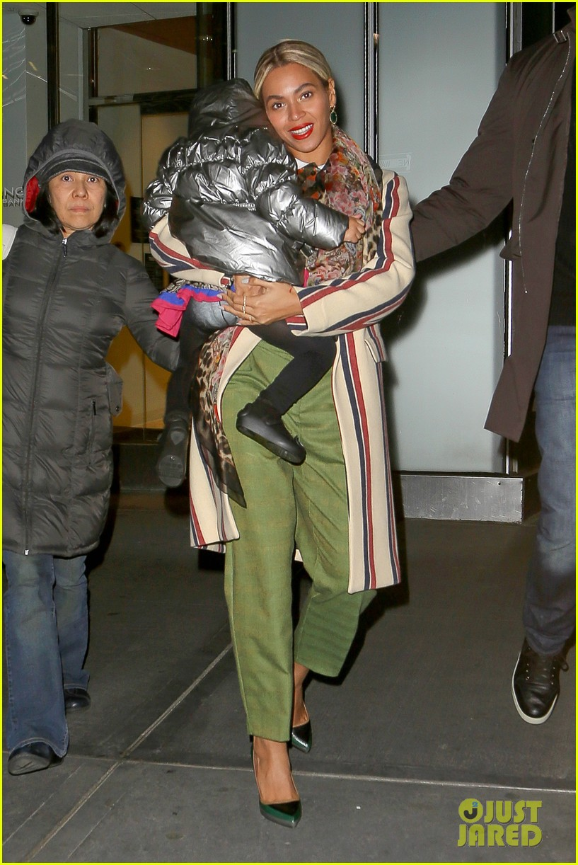 beyonce steps out in the big apple with blue ivy carter 073033236