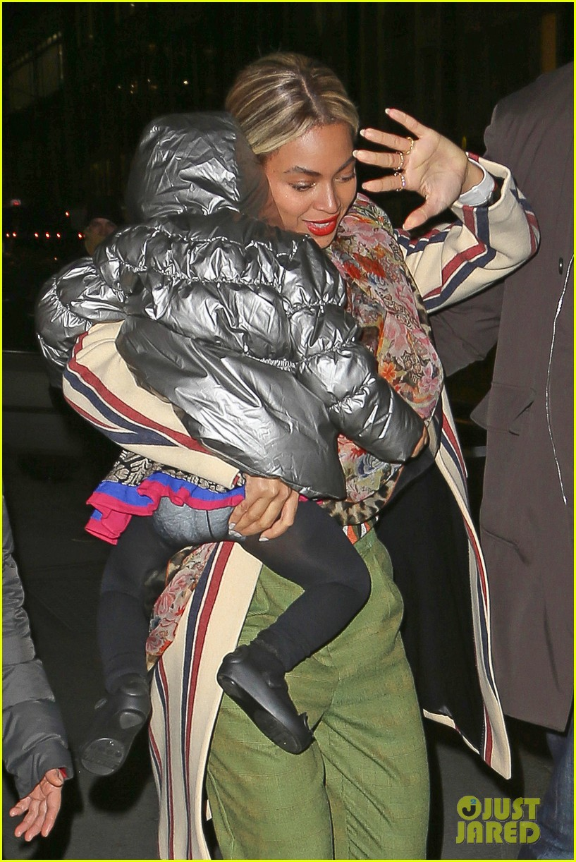 beyonce steps out in the big apple with blue ivy carter 093033238