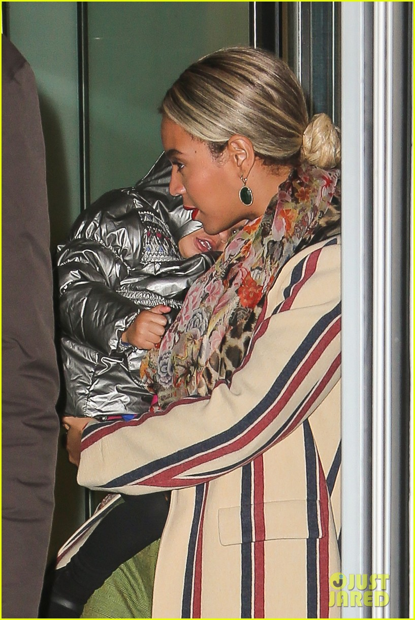 beyonce steps out in the big apple with blue ivy carter 103033239