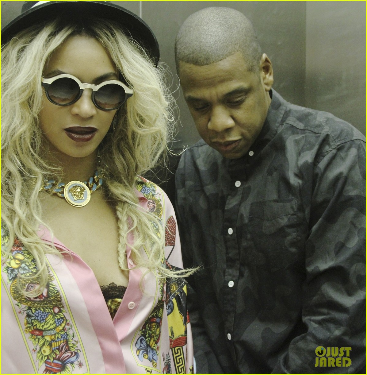 beyonce jay z visit a park with blue ivy new photos 113032217
