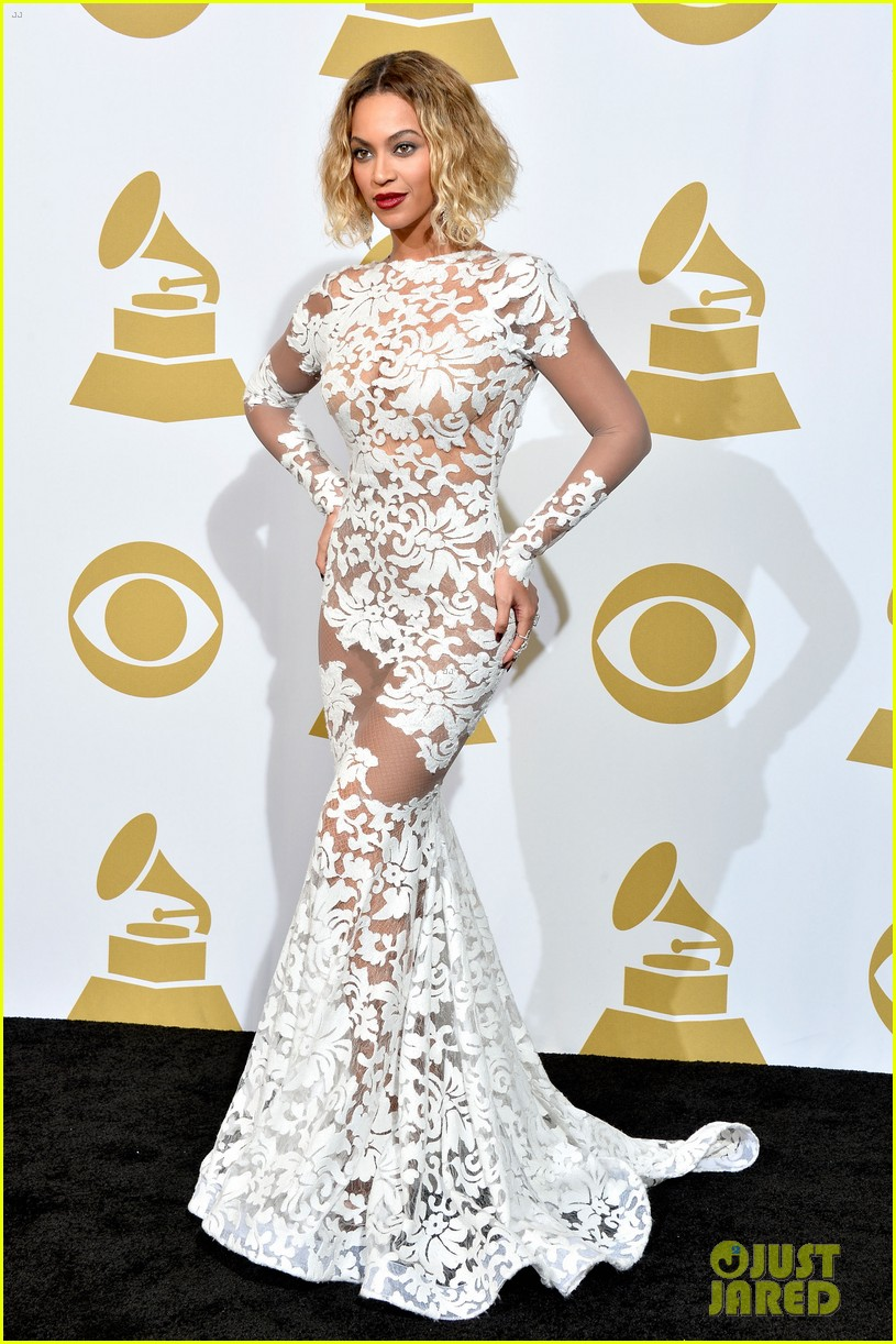 beyonce wears sexy sheer white dress at grammys 2014 013041397