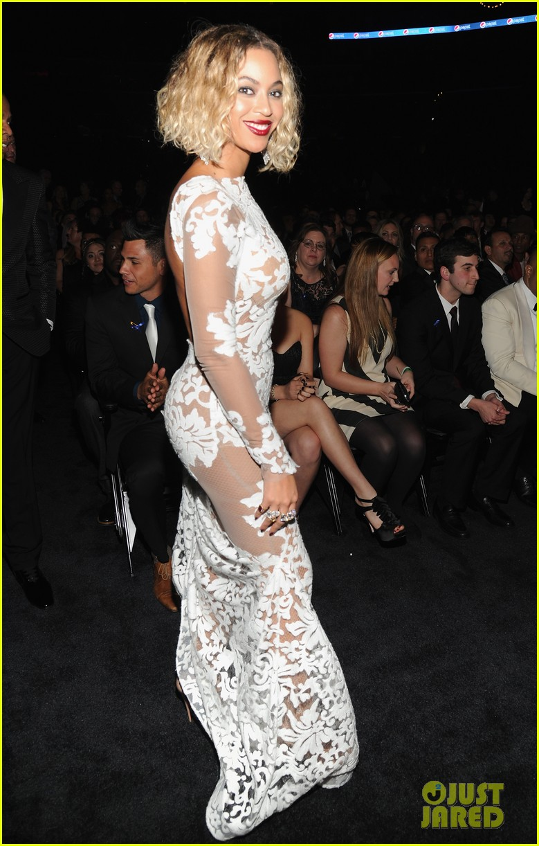 beyonce wears sexy sheer white dress at grammys 2014 033041399