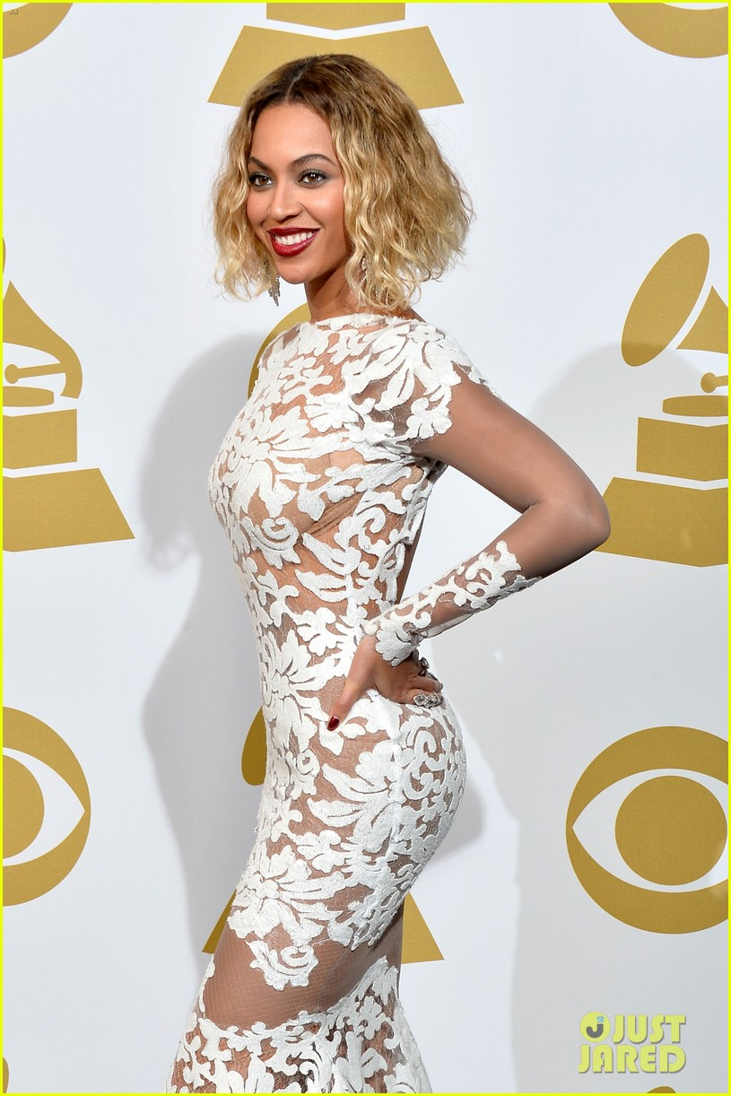 beyonce wears sexy sheer white dress at grammys 2014 083041404
