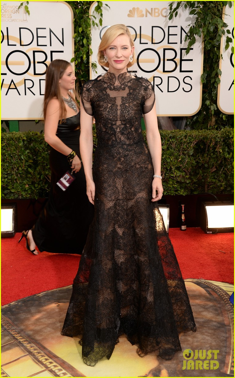 cate blanchett golden globes 2014 red carpet 03