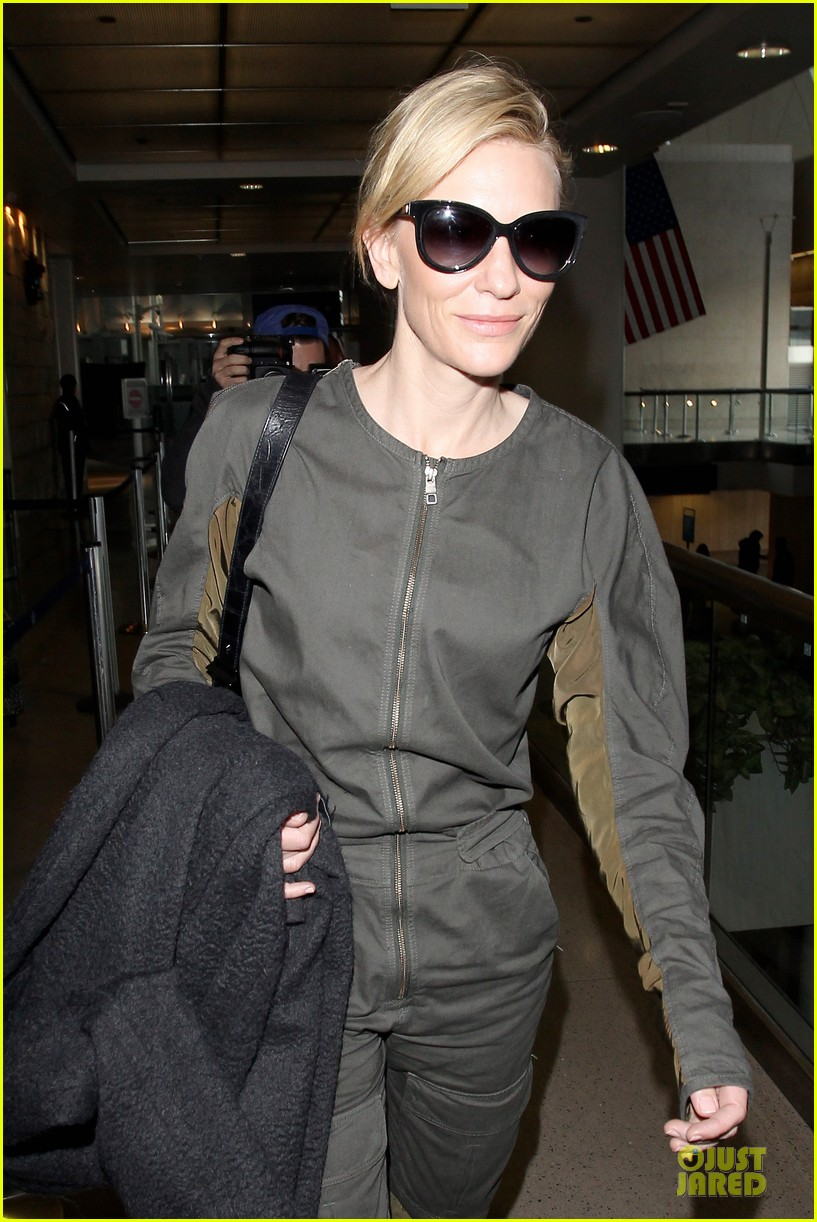 cate blanchett lax arrival after nyfcc awards ceremony 02